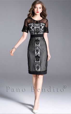 Vestido Midi com Bordado e Tule Phillipa